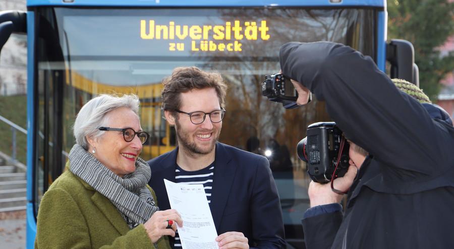 Präsidentin Prof. Dr. Gabriele Gillessen-Kaesbach und Energiewendeminister Jan Philipp Albrecht (Fotos: Elena Vogt / Universität zu Lübeck)