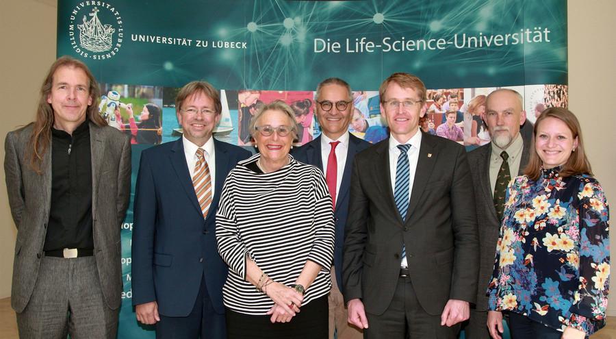 Ministerpräsident Daniel Günther besuchte die Universität am 9. Mai (Foto: René Kube)