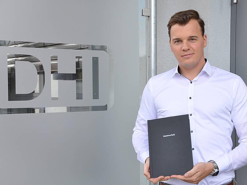 Daniel von Holten, erster Masterabsolvent der Hörakustik. Foto: TH Lübeck