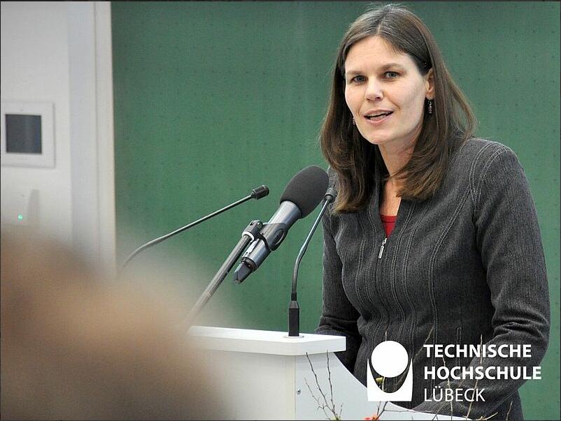 """Dr. Muriel Helbig: """"An der Technischen Hochschule Lübeck haben wir - wie an vielen anderen Hochschulen auch - unglaublich schnell und pragmatisch auf das Verbot von Präsenzlehre und weitere tiefgreifende Einschnitte reagiert."""" Foto: TH Lübeck"""